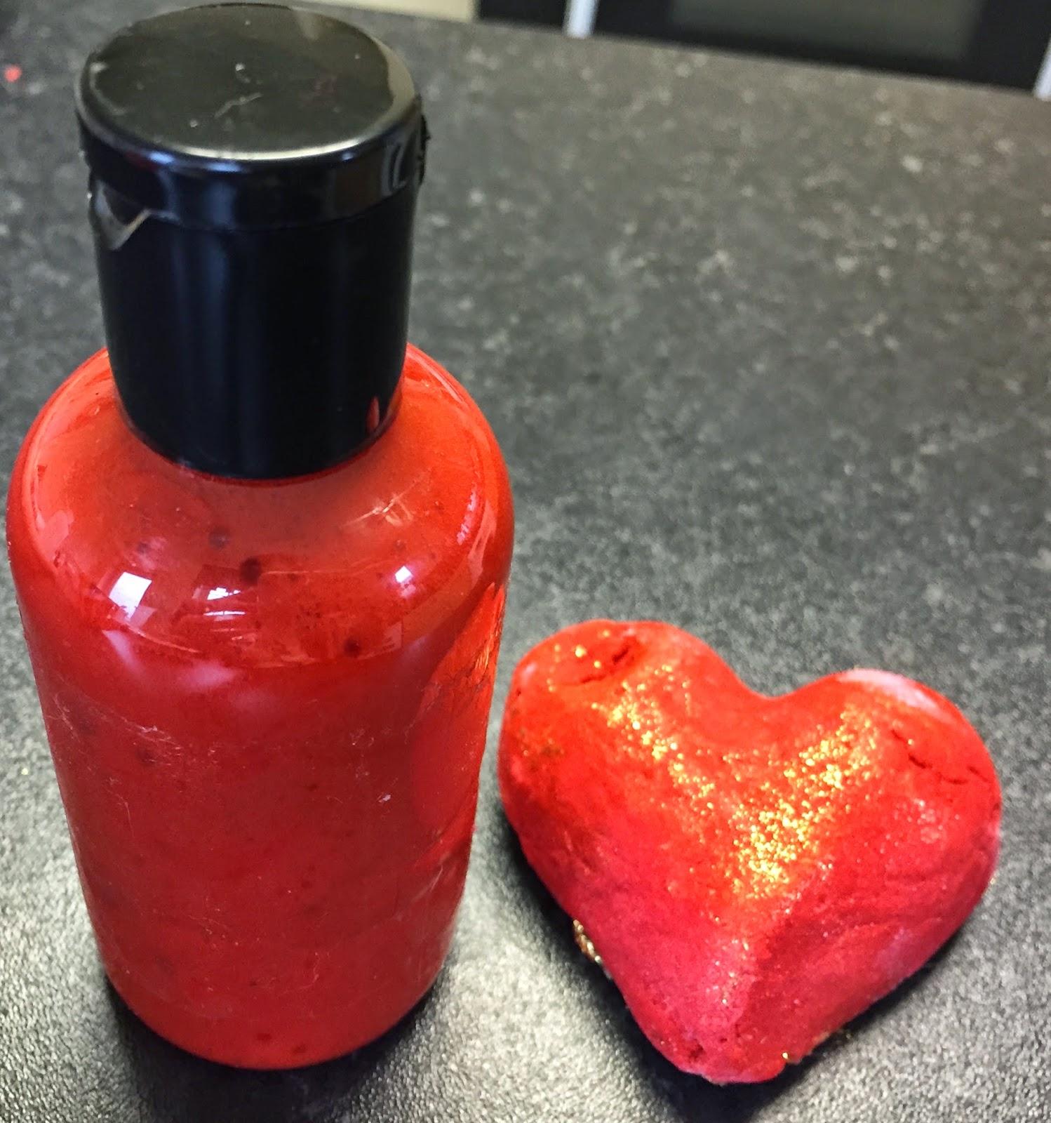 All Things Lush UK: Lush DIY: Heart Throb Shower Gel
