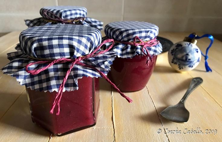 mermelada-membrillo-arándanos-tarros