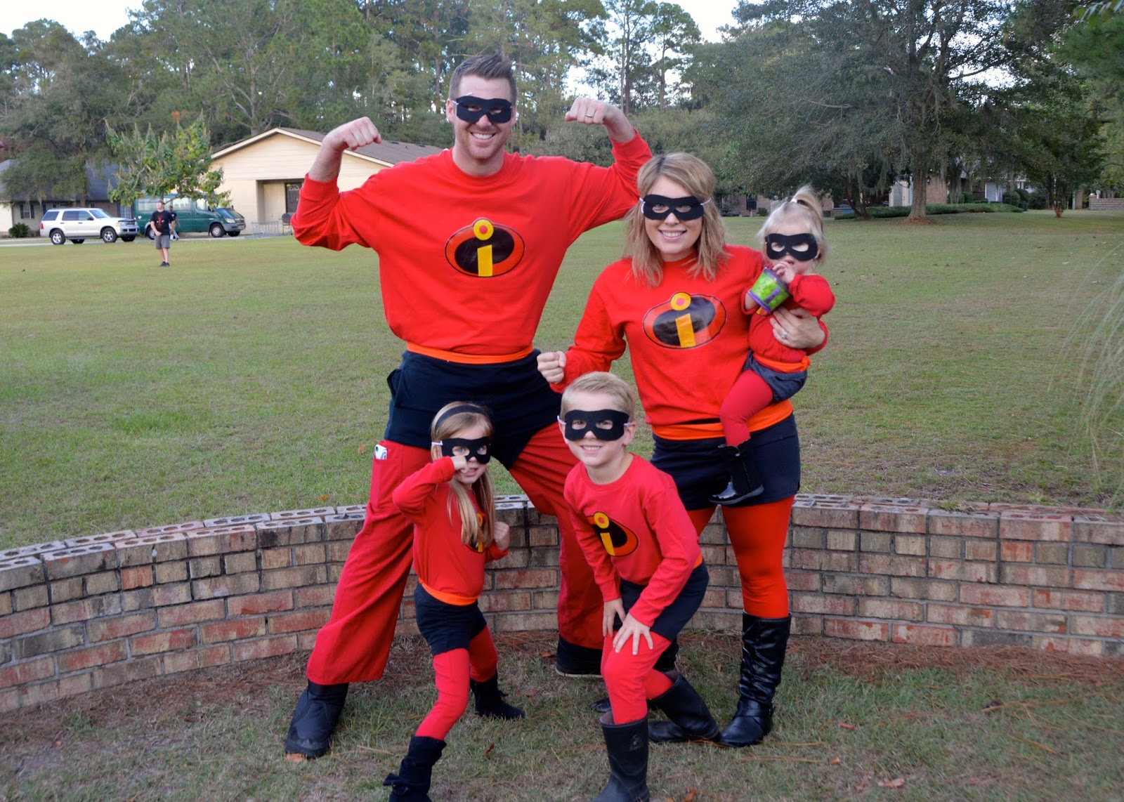 incredibles family halloween costumes