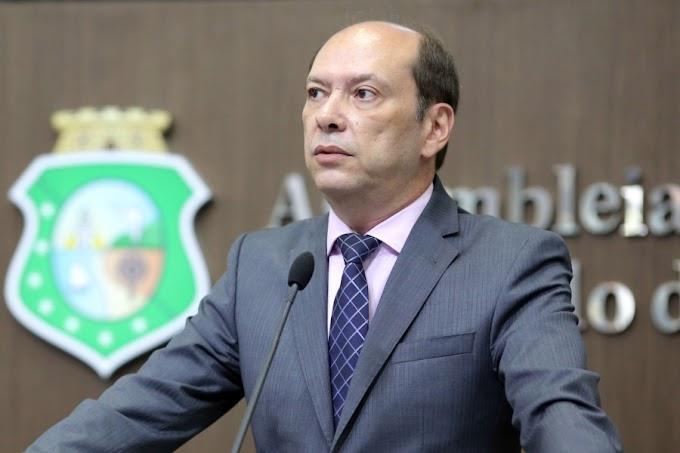Juiz determina cassação de Ivo Gomes da Prefeitura de Sobral