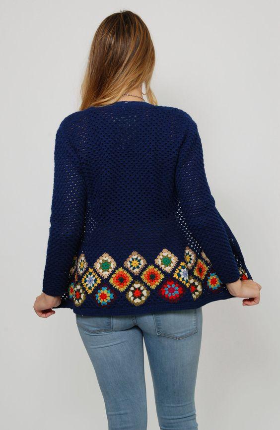 sweter z kwadratami babuni szydelkiem