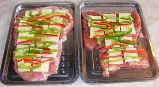 preparare rulada de porc, preparare rulada din spata de porc, preparare rulada de porc cu cascaval si ardei, preparare rulada din spata de porc cu cascaval si ardei, preparare friptura de porc la cuptor, preparate din porc, retete culinare, retete de mancare, preparate din carne de porc, retete cu carne de porc,