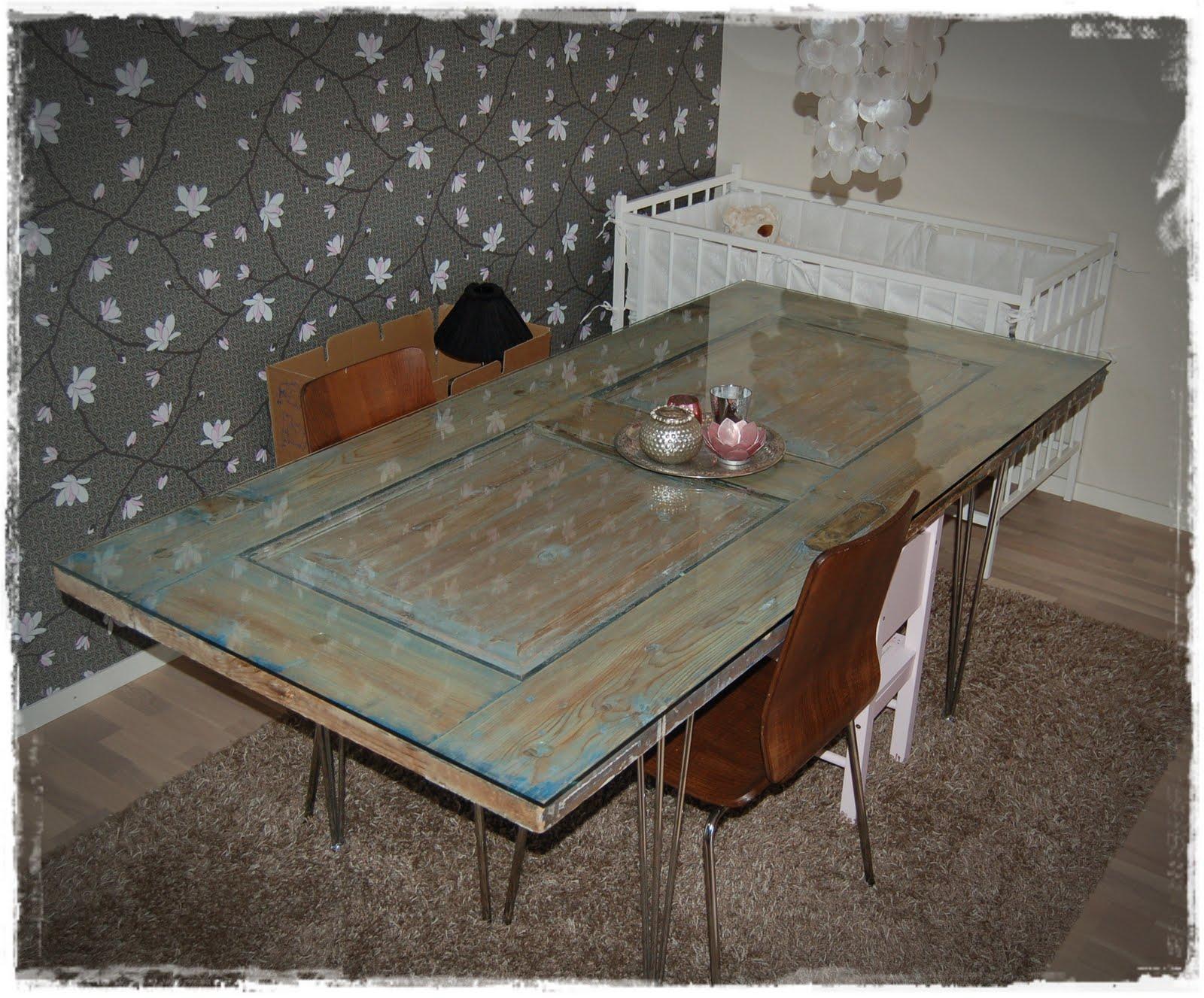 bord af gamle brædder