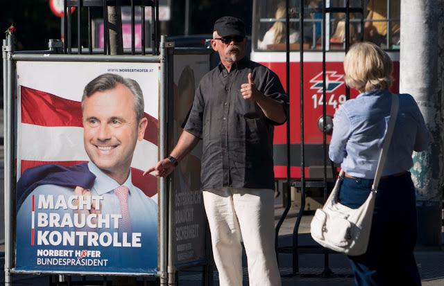 Norbert Hofer felicitou o seu rival Alexander Van der Bellen por sua vitória na eleição presidencial austríaca e agradeceu aos seus apoiantes