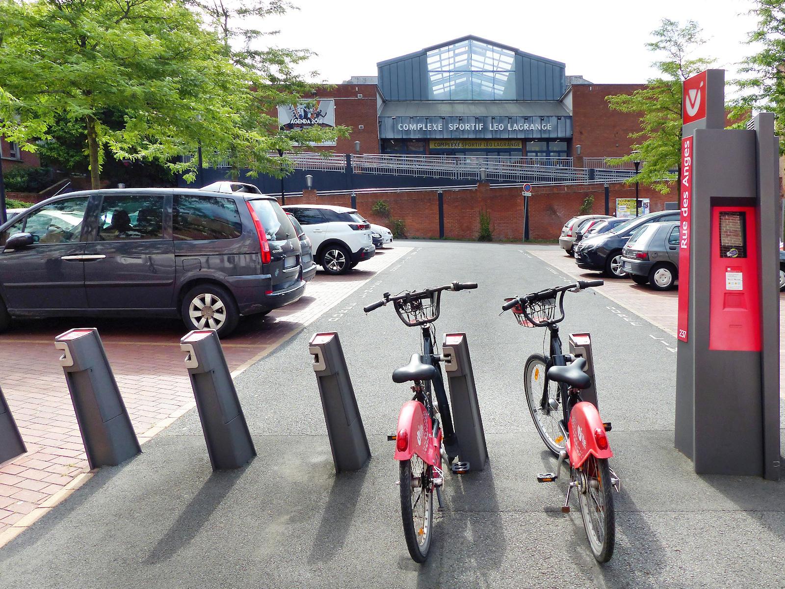 Station V'Lille rue des Anges, en face du complexe sportif