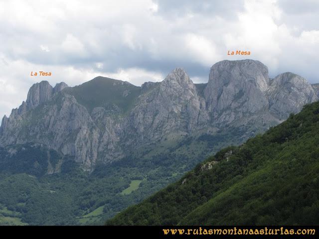 Ruta Peña Cerreos y Ubiña Pequeña: Vista de la Mesa y La Tesa desde Tuiza de Arriba