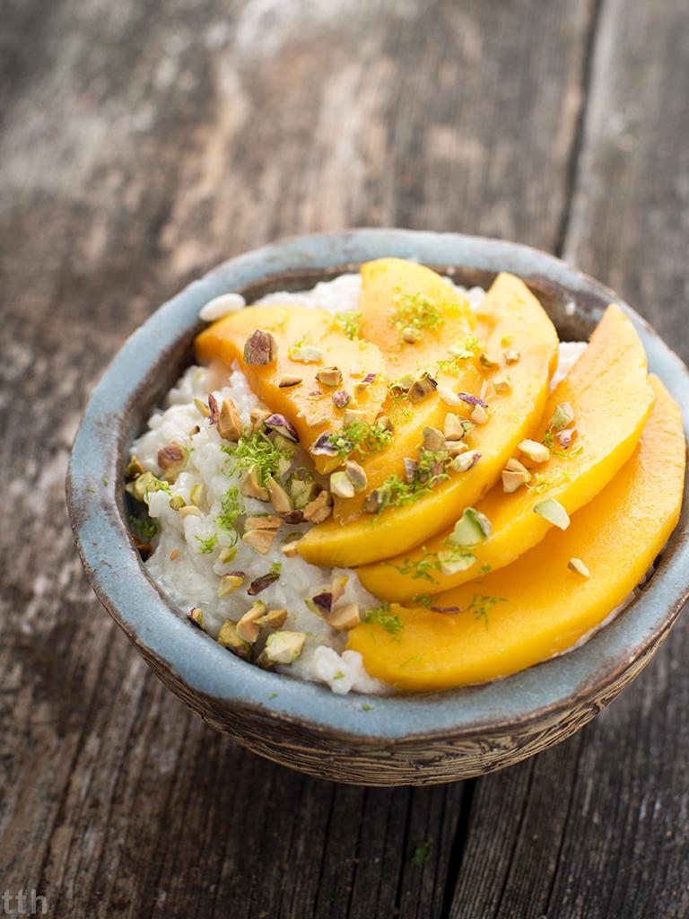 Kokosowy ryz jasminowy z mango i pistacjami - przepis weganskie, bezglutenowe, bez cukru roślinny blog kulinarny