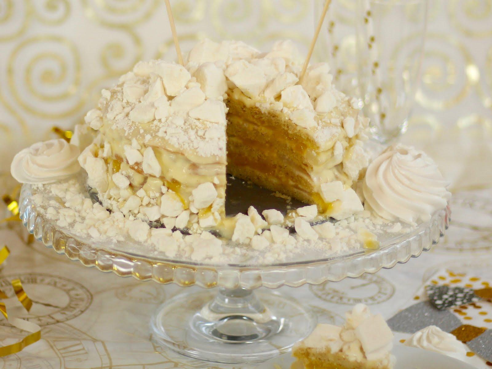 Traumhafte Schneeflockentorte mit Lemon Curd, Baiser und Mascarpone  - Rezept und Video von Sugarprincess