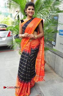 Model Sangeeta Kamath Pictures in Saree at Silk India Expo Curtain Raiser  0067.JPG