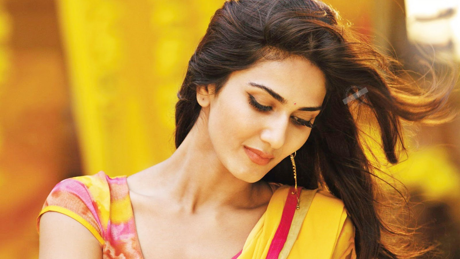 Wallpapersbuzz Beautiful Indian Girl Wallpapers Hd