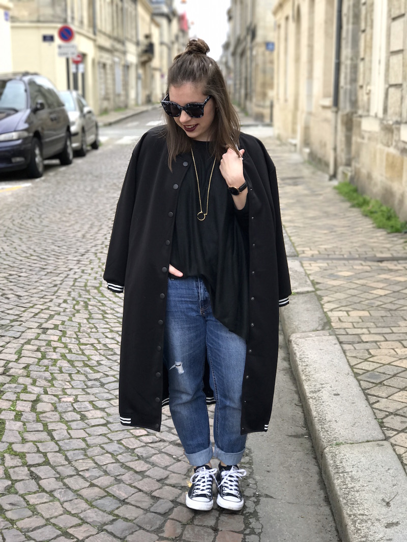 jean et pull noir H&M, teddy noir long Shein, converse noir, lunette jimmy fairly, collier rebecca minkoff