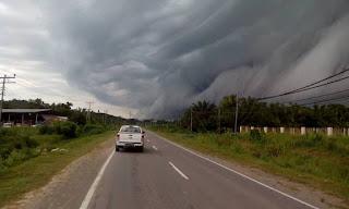Fenomena Shelf Cloud - Awan ombak besar melanda Sabah 4