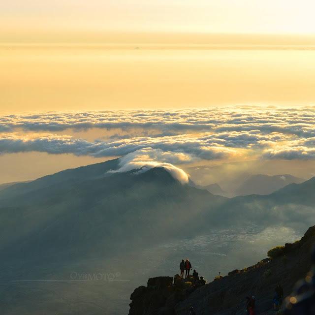 Negeri diatas awan gunung rinjani