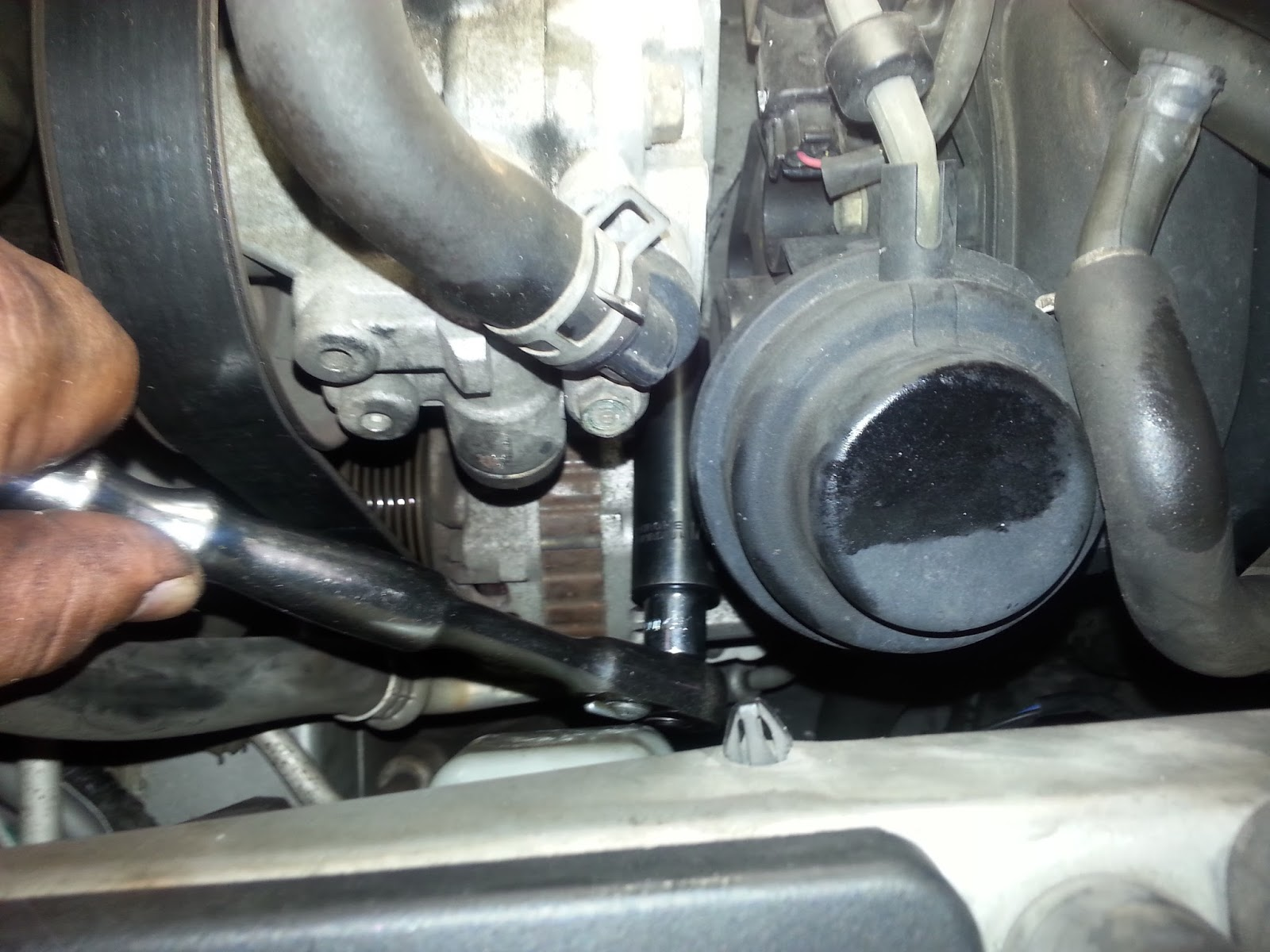 diy replacing pcv valve 2002 honda truck cr v [ 1600 x 1200 Pixel ]