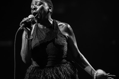 Sharon Jones por Jacob Blickenstaff