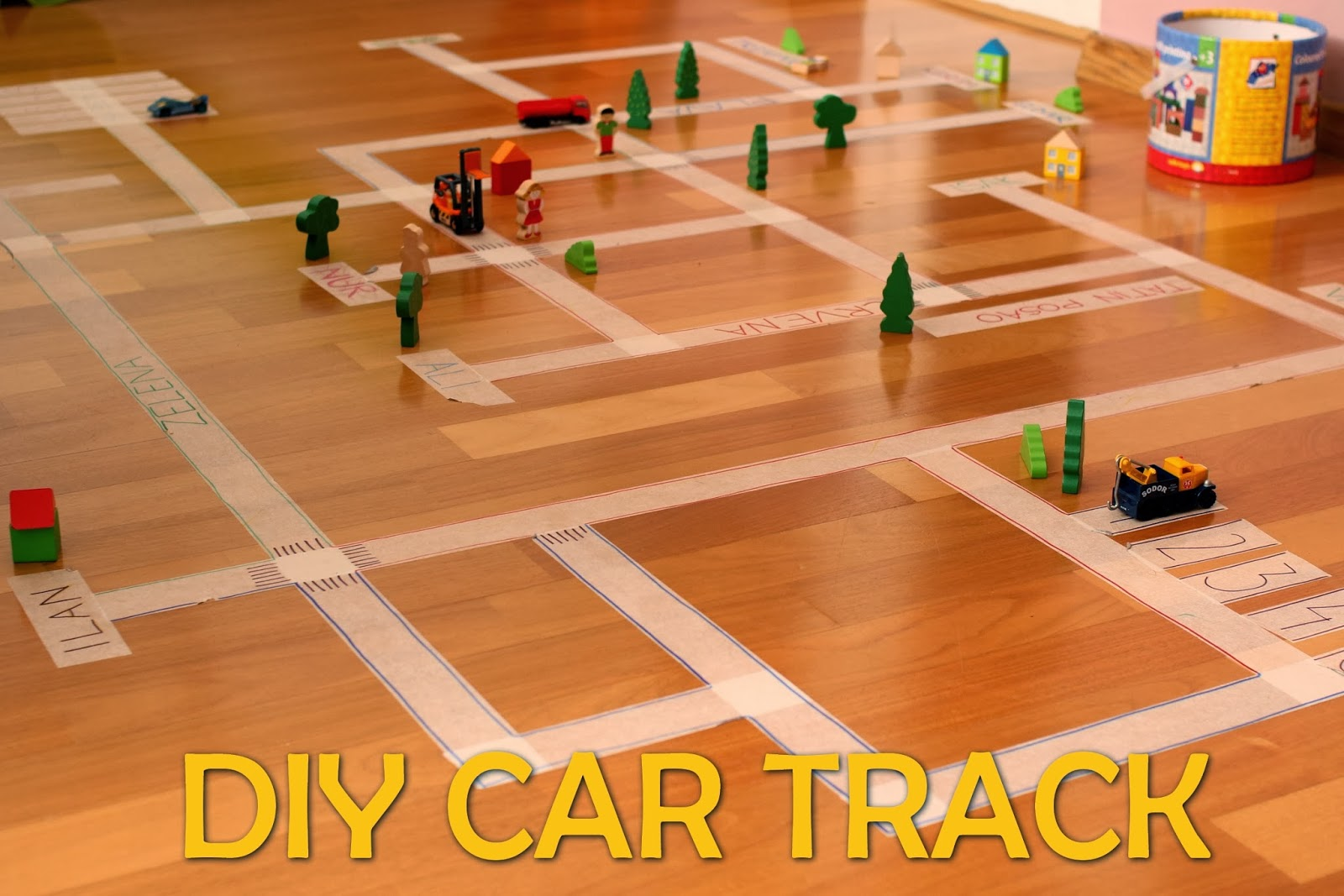 I AM duoMAMA: DIY CAR TRACK