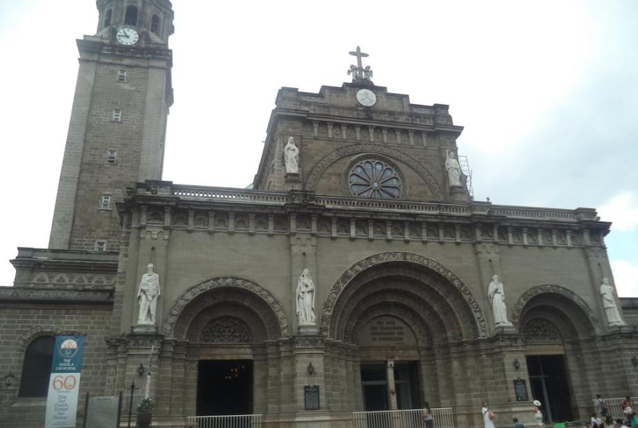 Visita Iglesia Manila