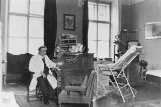 Dokter keluarga Yahudi