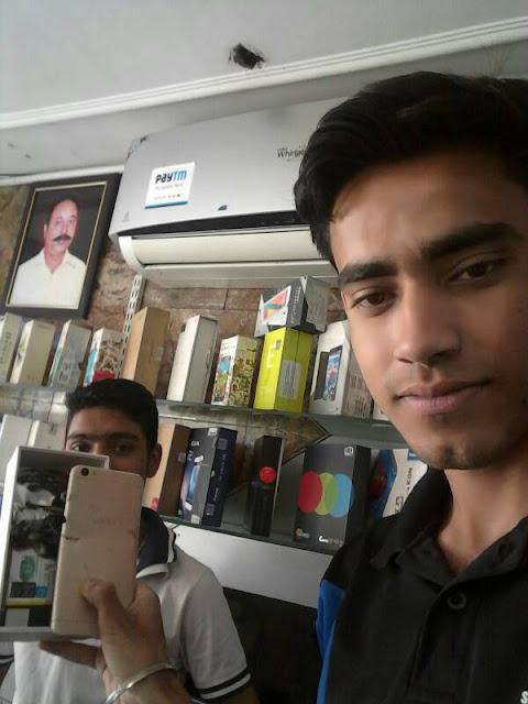 Pemilik Handphone VIVO di India yang meledak