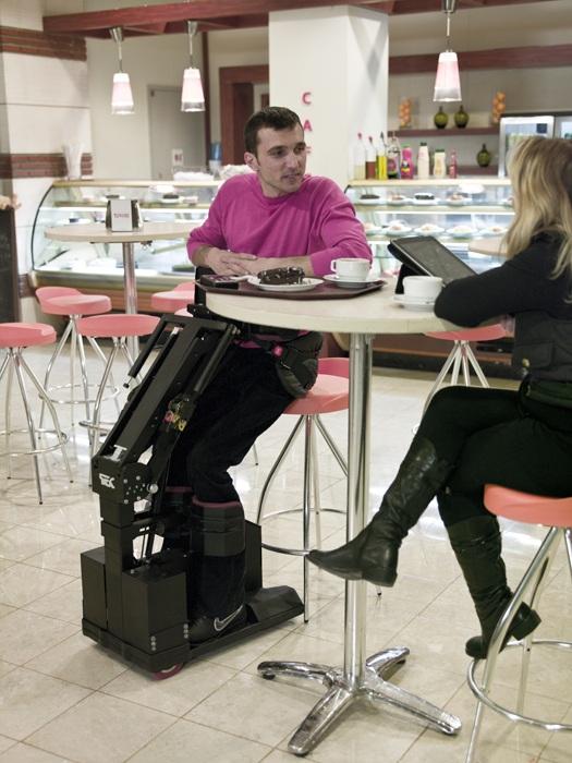 La silla de rueda del futuro que permite moverte en una posici n de pie rinc n abstracto - Sillas de ruedas estrechas ...
