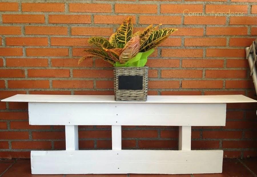 Transformar un palet para convertirlo en un mueble jardinera