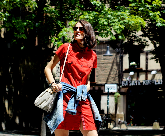 Vestido rojo abotonado