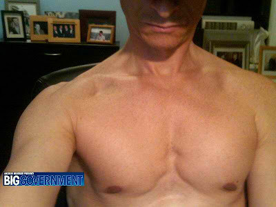 Anthony Weiner lewd pictures, shirtless photo