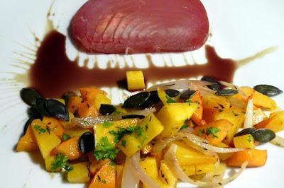 Geräucherter Thunfisch an dreierlei Kürbis
