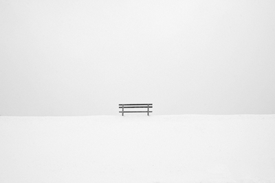 http://lelandbobbe.com/blog/wp-content/uploads/2010/10/snow-bench.jpg