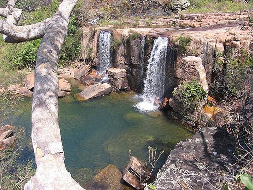 Mais de 10 metros de altura a cachoeira do arrojado é um dos pontos mais lindos de Cristalina Goiás