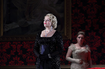 Renée Fleming, Sophie Bevan - Act 3, Der Rosenkavalier  © ROH. Photograph by Catherine Ashmore