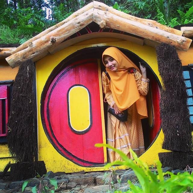 rumah hobbit kampung kurcaci purbalingga