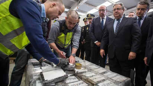 NARCOREPUBLICA: Casi 10 toneladas de cocaína fueron enviadas desde Colombia a España por el cartel del Golfo vinculado a Uribe Vélez