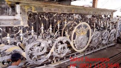 gambar pagar besi tempa adalah pagar klasik