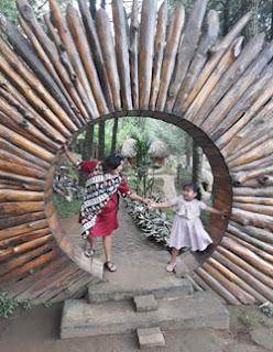 Pintu Bulat di Goa Pinus Pujon, Batu