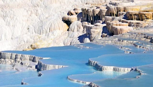 Ini Dia Lima Pemandian Air Panas Alami Paling Unik Di Seluruh Dunia