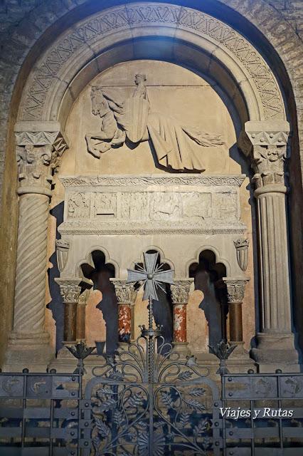 Sepulcro de ramón Berenguer III del Monasterio de Santa María de Ripoll