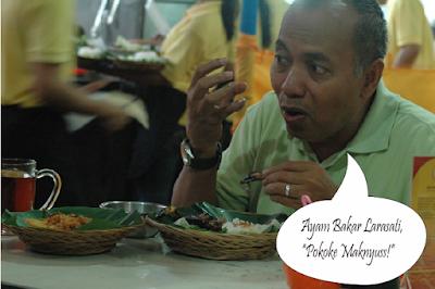 """Ayam Bakar Larasati menurut pak Bondan Winarno memang benar-benar """"Pokoke Maknyuss"""" !"""