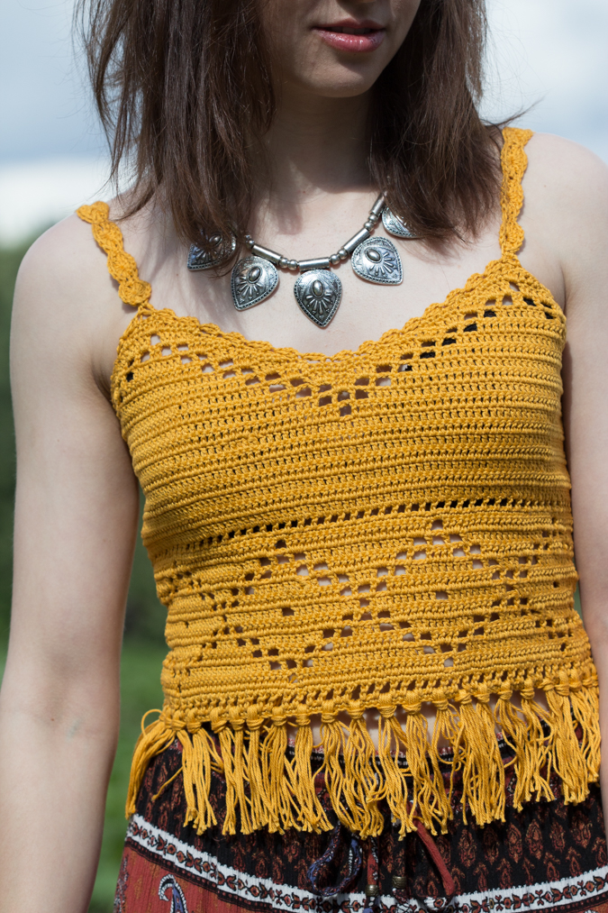 DIY - Gehäkeltes Boho Crop Top mit Fransen - Green Bird - DIY Mode ...