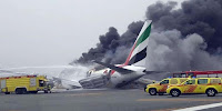 Explosion en avion Emirates