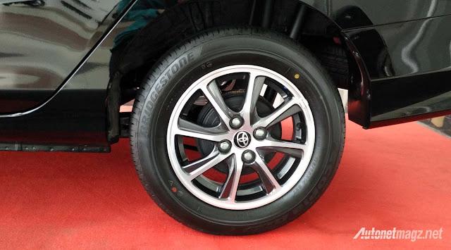 Toyota Calya mini MPV alloy rim in Images -  - Toyota Calya – MPV 7 chỗ giá siêu rẻ sắp ra mắt ở Indonesia
