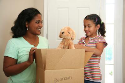 Phải làm sao với trẻ nhỏ hoặc thú cưng khi bạn chuyển nhà?