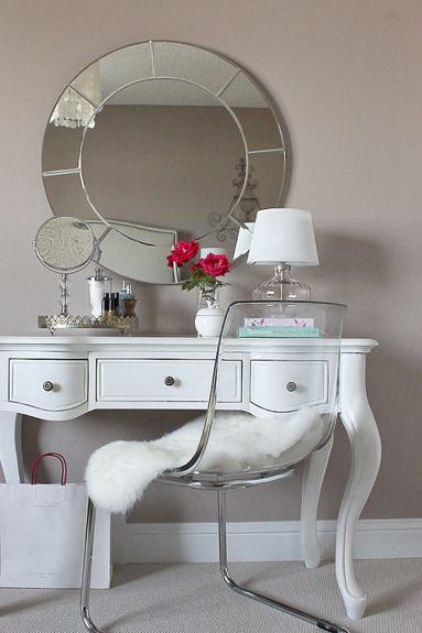 decoración_dormitorio_cama_tocador_vestidor_tonos_neutros_lolalolailo_17