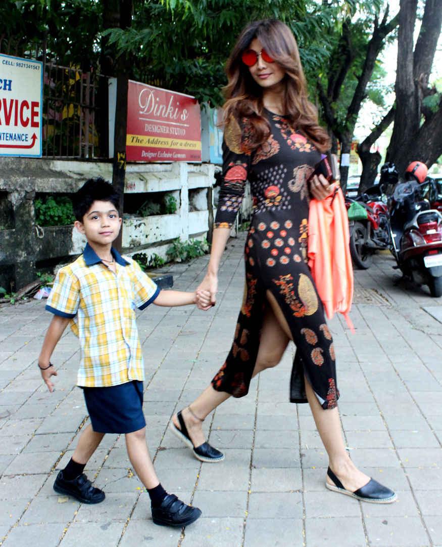 Shilpa Shetty at IOSIS Saloon In Bandra West, Mumbai.
