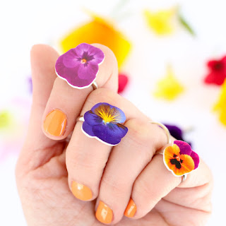 http://www.akailochiclife.com/2016/06/craft-it-wildflower-rings.html