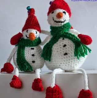 http://translate.google.es/translate?hl=es&sl=el&u=http://kouvarakia.com/2014/12/16/crochet-snowman/&prev=search