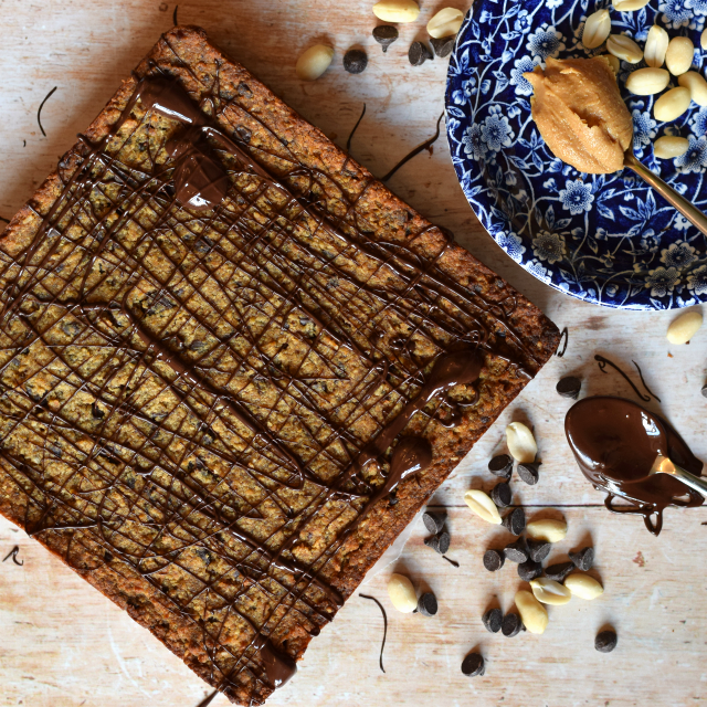 Peanut butter and dark chocolate vegan blondies