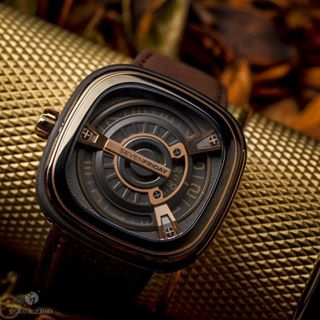 SEVENFRIDAY M2-2 M-Series Automatic Black Brown Leather Strap