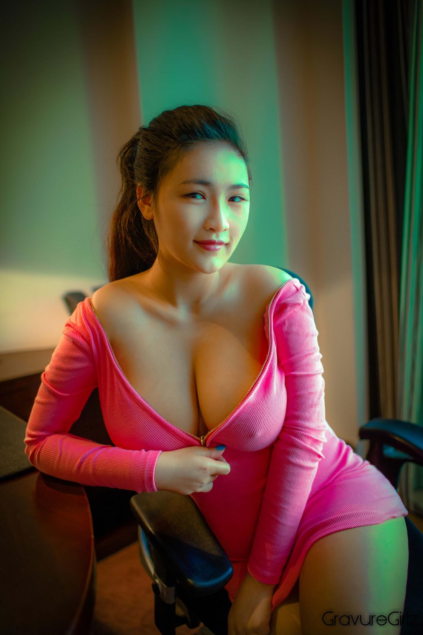 Lian Xin 连欣 | Incredible Tits | Totally Nude | Tuigirl ...