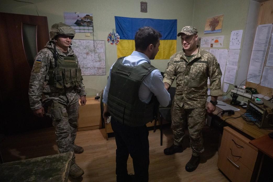 Зеленський відвідав передові позиції ЗСУ на Луганщині